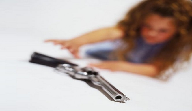 toddler-gun-the-bump-665x385